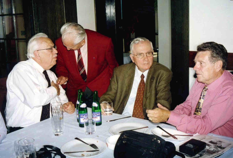 Jaroslav Venclík im Gespräch mit Peter Klepsch, daneben Professor Herbert Voitl